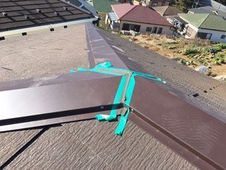 寄棟屋根の結合部分