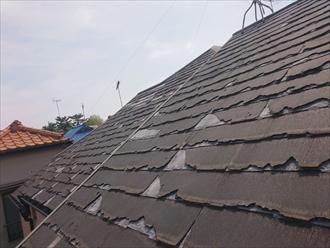 ボロボロになった屋根