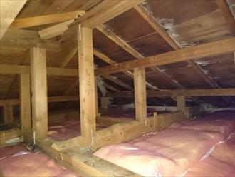 天袋から小屋裏へ入ります