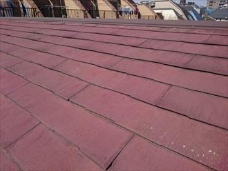 塗装をした形跡があるスレート屋根