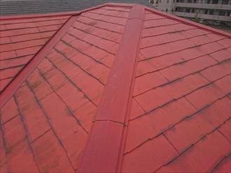 塗装が大分劣化しているスレート屋根