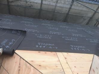 日野市新町 屋根葺き替え工事 野地板取り付け 防水紙設置