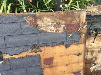 屋根材の下に防水紙が無い!