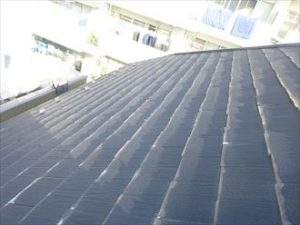 屋根の表面が剥離