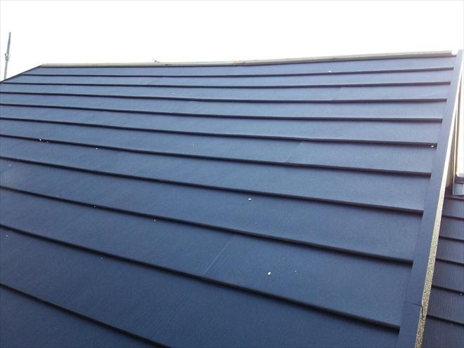 西東京市東町でコロニアルNEOの上にスーパーガルテクトで屋根カバー工事