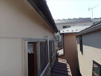 大屋根と下屋根の位置関係