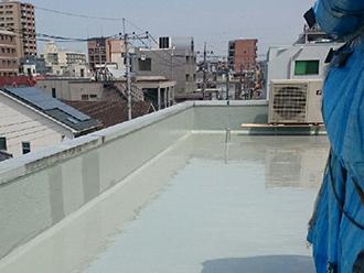 層を重ねてより強固な防水効果を