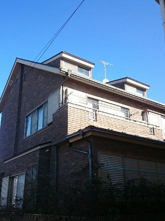タイル外壁のお住まいバルコニー側外観