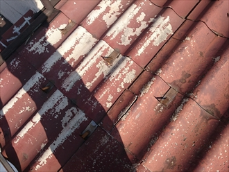 小金井市前原町でボロボロになったセキスイのかわらUを葺き替え工事で直します