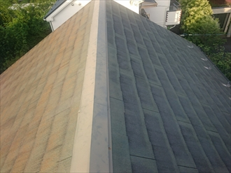 大分劣化しているスレート屋根