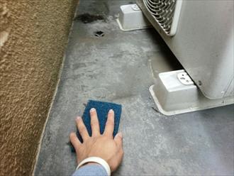 防水層に傷みが無ければ保護材のトップコート