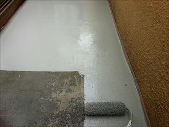 防水が傷んでいなければトップコートで保護します