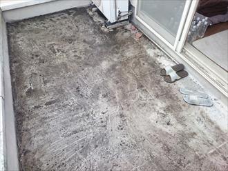 床の防水は劣化します