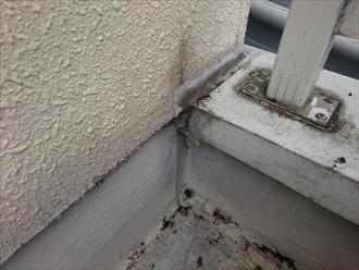 壁との取り合い部分も雨漏りの原因になりやすい所です