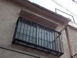雨樋調査窓上