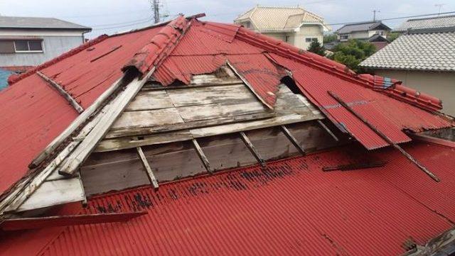 トタン屋根被害