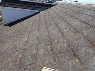 スレート屋根表面