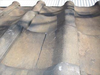 瓦屋根の亀裂