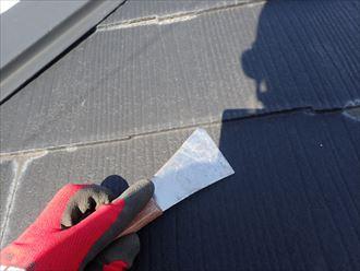 青梅市新町にて屋根塗装時の縁切り不足が原因の雨漏り点検を実施、毛細管現象を防ぐためには?