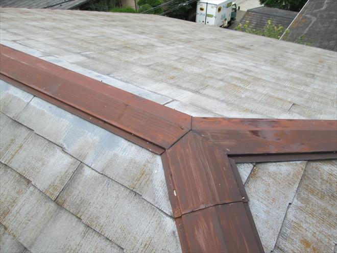 大分劣化しているスレート葺き屋根