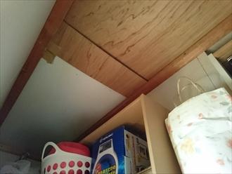 和室の天袋から天井裏を確認出来ます