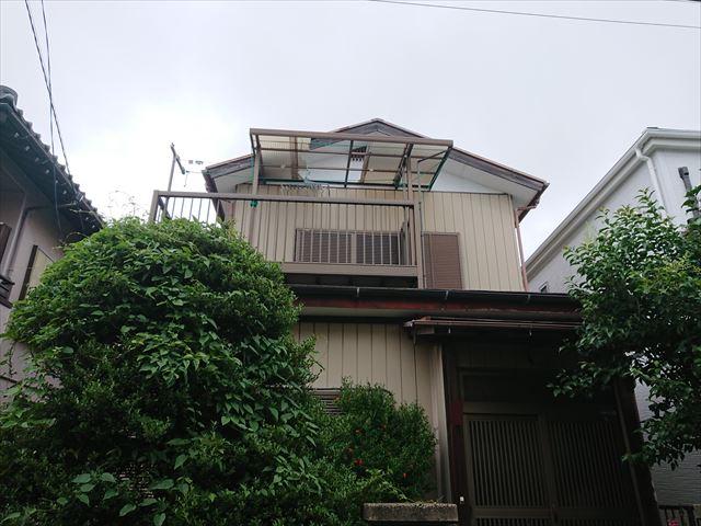 ポリカ屋根の飛散状況