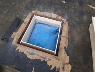 日野市落川で雨漏りしているかわらU葺きの屋根のトップライトを撤去して葺き替え工事