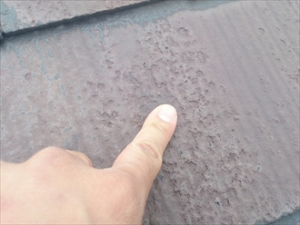 稲城市押立で縁切りしていないスレート屋根は雨漏りしている為葺き替え工事で直します