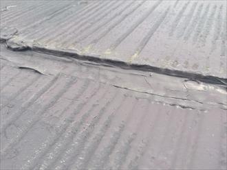 府中市府中町で縁切りして無い事がスレート屋根の雨漏りの原因になっています