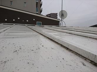 瓦棒葺き屋根は塗装してあるので劣化はそれ程酷くありません
