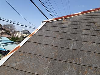 錆びた棟板金と破風板の板金