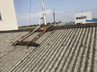 波型スレート屋根の劣化症状