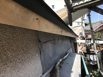破風板補修と軒先唐草