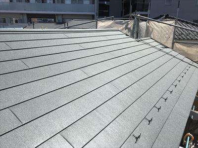スーパーガルテクトを使用した葺き替え工事完成です