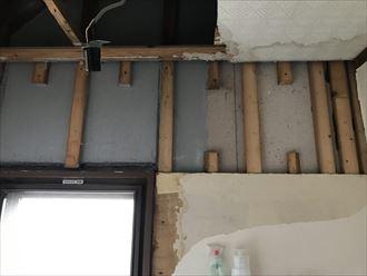 雨漏りによる天井材の腐食
