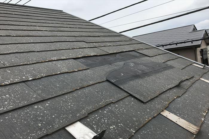 江東区東砂でニチハのパミールの屋根材を使用したお住まいを点検調査。屋根材落下の危険があります!