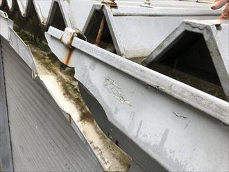 軒樋が強風で破損