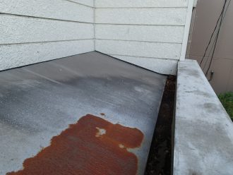 玄関ポーチの屋根