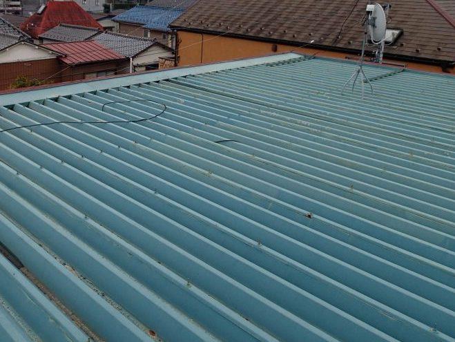 折板屋根の画像