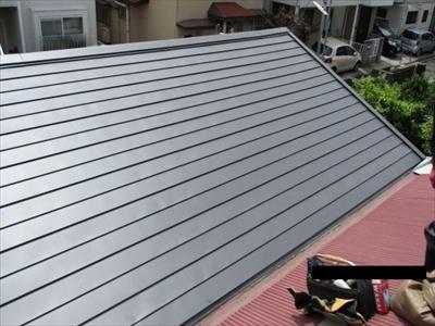 ガルバリウム鋼板への葺き替え工事