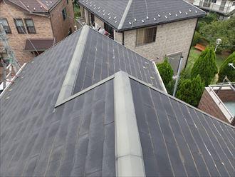 南北で違うパミール屋根