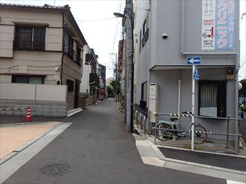 建物と区道の間隔