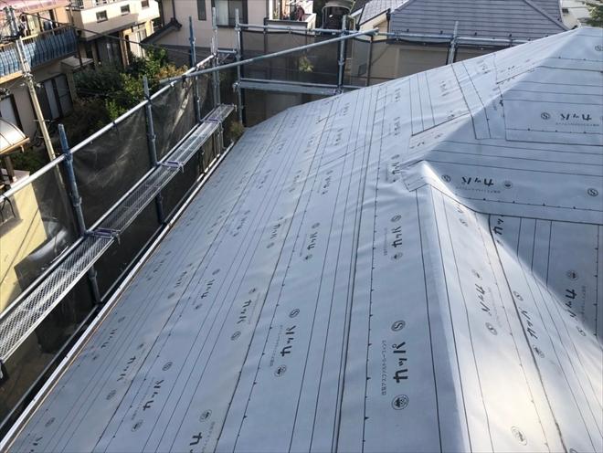 通常の葺き替え工事には改質アスファルトルーフィング