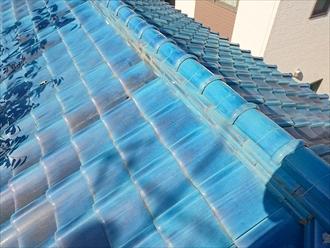 国立市富士見台で雨漏りしている瓦屋根を軽いガルバリウム鋼板製の屋根へ葺き替えます