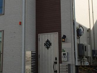 施工前の庇がない玄関