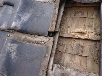 下地の傷みが雨漏りの原因です