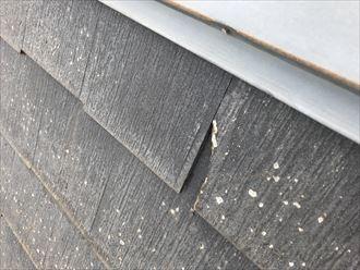 脆くなった屋根材の損壊