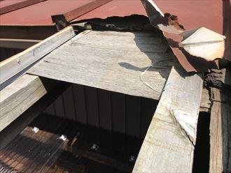 墨田区横川で強風被害でトタン屋根が飛散、火災保険の申請で修繕出来ます