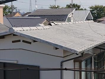 お隣のマンションから屋根を確認してみます