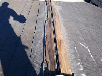 棟板金が飛ばされるのは下地の貫板が腐食しているから